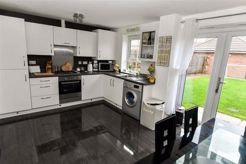 3 bedroom semi-detached house for sale - Runton Walk, Liberty Green, Hull, HU8