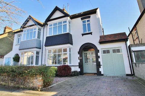 5 bedroom semi-detached house for sale - Cricketfield Grove, Leigh On Sea