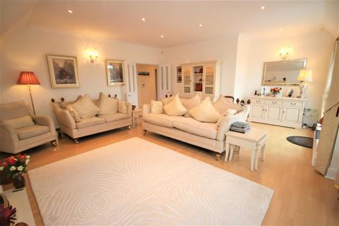 3 bedroom penthouse for sale - Carrington Court, Green Dragon Lane, Winchmore Hill