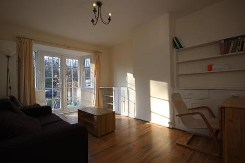 3 bedroom detached house to rent - East Acton