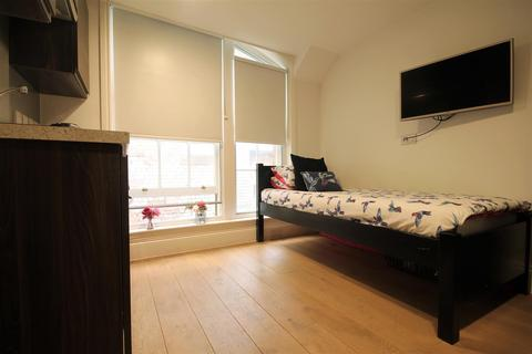Studio to rent - The Bruce Building, City Centre