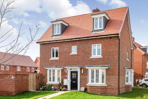 4 bedroom house to rent - Cheddington Grove, Aylesbury