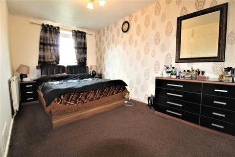 3 bedroom flat for sale - Buttsbury Road, Ilford, Essex, IG1
