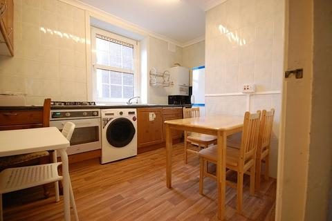 4 bedroom apartment to rent - Electric House, Bow Road, London, E3