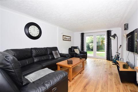3 bedroom semi-detached house for sale - Alkham Road, Vinters Park, Maidstone, Kent