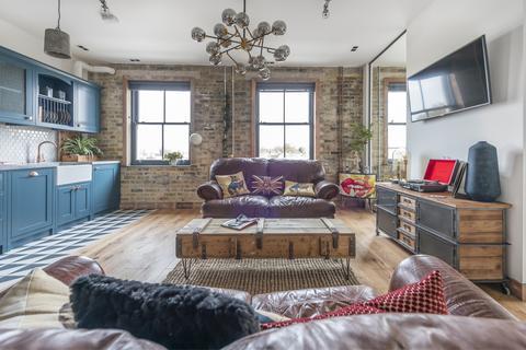 2 bedroom flat for sale - Gordon Road London SE15