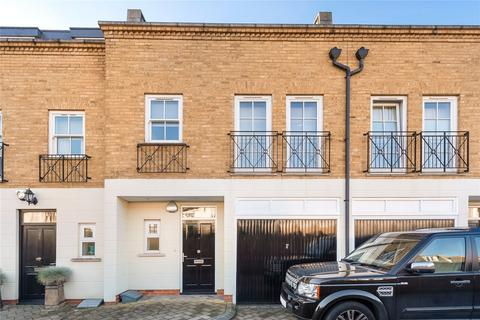 5 bedroom mews to rent - Denning Mews, London