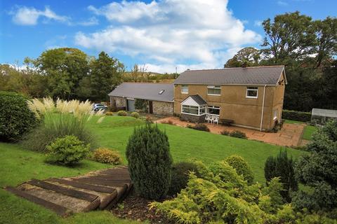 3 bedroom detached house for sale - Cwm Isaac, Rhigos, Aberdare, Mid Glamorgan, CF44