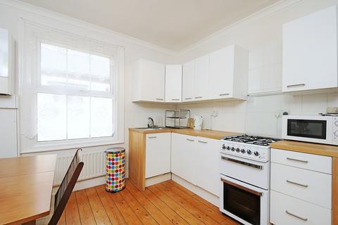 2 bedroom flat to rent - Loubet Street Tooting SW17