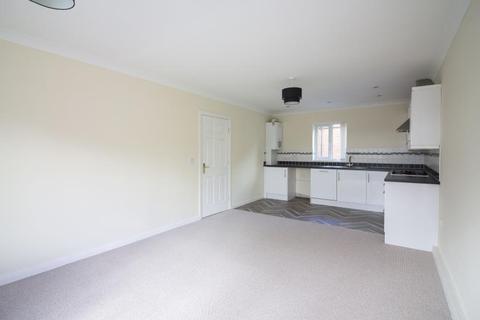 2 bedroom apartment to rent - Cambridge Court, Bishop Auckland, County Durham, DL14 9SR