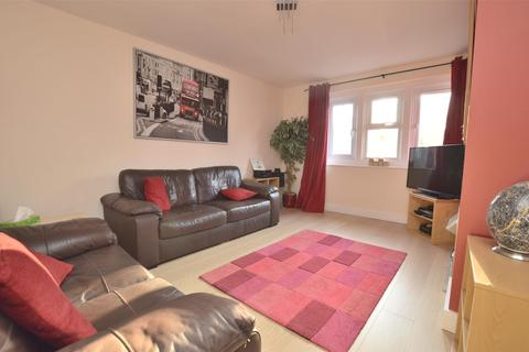 2 bedroom flat to rent - Valley Walk, Midsomer Norton, Radstock, Somerset, BA3