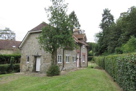 2 bedroom cottage to rent - Fovant