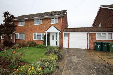 3 bedroom semi-detached house for sale - Comet Road, Stanwell, Staines-upon-Thames, Surrey