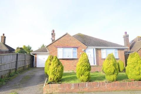 2 bedroom detached bungalow for sale - Laburnum Gardens, BEXHILL, East Sussex, TN40 2PF