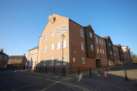 3 bedroom flat for sale - Nymet Court, Pine Street, Aylesbury, Buckinghamshire