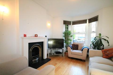2 bedroom terraced house to rent - Newark Road, South Croydon