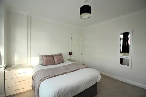 1 bedroom house share to rent - London Road, Reading