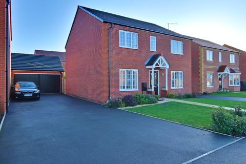 4 bedroom detached house for sale - Alan Smith Close, Polesworth
