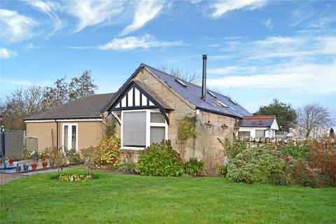 4 bedroom detached bungalow for sale - Longframlington, Morpeth, Northumberland, NE65