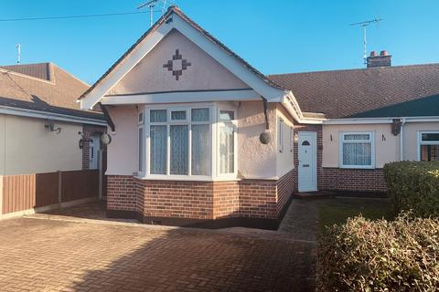 2 bedroom semi-detached bungalow to rent - Nalla Gardens, Chelmsford
