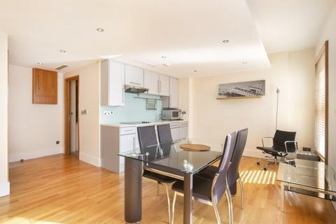Studio to rent - Coventry House, 35 Haymarket, London, SW1Y
