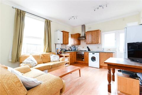 3 bedroom apartment to rent - Oakmead Road, London, SW12