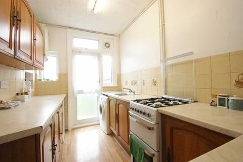 4 bedroom terraced house to rent - Newark Crescent, North Acton