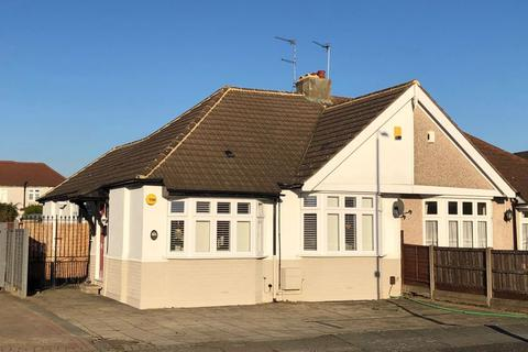 3 bedroom bungalow for sale - Rydal Drive, Bexleyheath