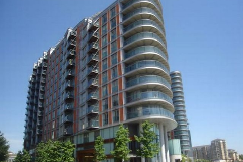 Studio to rent - New Providence Wharf, 1 Fairmount Avenue, Canary Wharf, London, E14 9PB