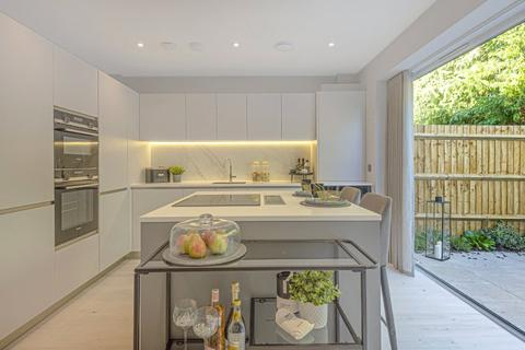 3 bedroom terraced house for sale - Burlington Place, 43 Chilbolton Avenue, Winchester, Hampshire, SO22