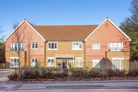 2 bedroom ground floor flat to rent - Headley Road, Grayshott