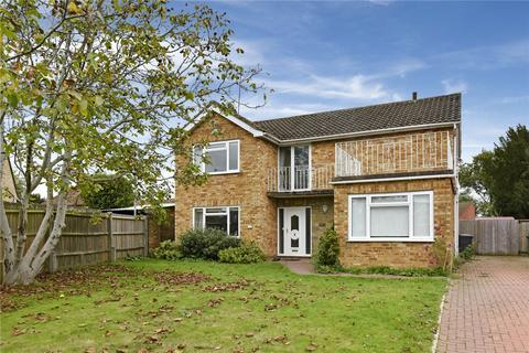 4 bedroom detached house to rent - The Meadows, Flackwell Heath, High Wycombe, Buckinghamshire, HP10