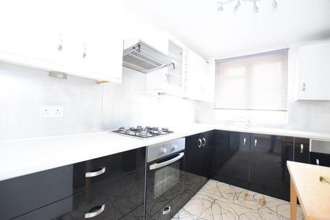 2 bedroom flat to rent - St Johns House, Lytham Street, London SE17