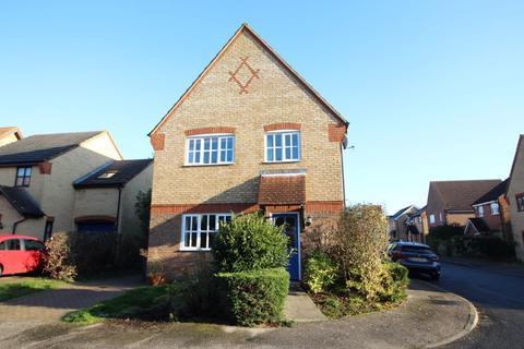 4 bedroom detached house to rent - Hawk Drive, Huntingdon