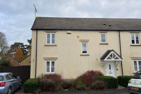 3 bedroom semi-detached house to rent - Severn Close, Calne