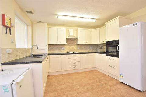 6 bedroom terraced house to rent - Stanway Close, BATH, Somerset, BA2