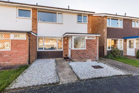 3 bedroom semi-detached house for sale - Godwit Road, Southsea