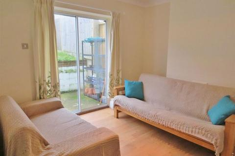Mixed use to rent - Bevendean Crescent, Brighton