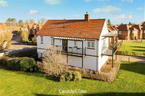 2 bedroom maisonette for sale - Cassius Drive, St. Albans, Hertfordshire