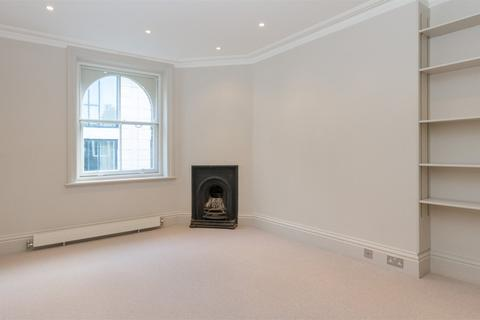 2 bedroom property to rent - Clarence Gate Gardens, Glentworth Street, Marylebone, London, NW1