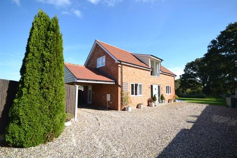 2 bedroom detached house for sale - Cobbins Chase, Burnham-On-Crouch
