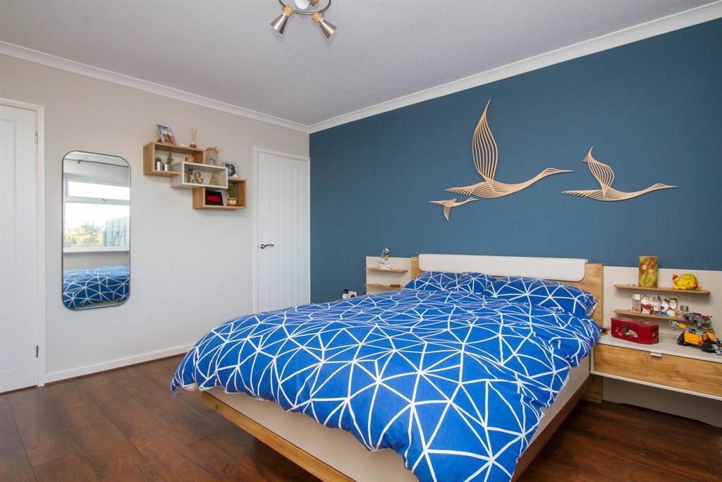 Master Bedroom..jpg
