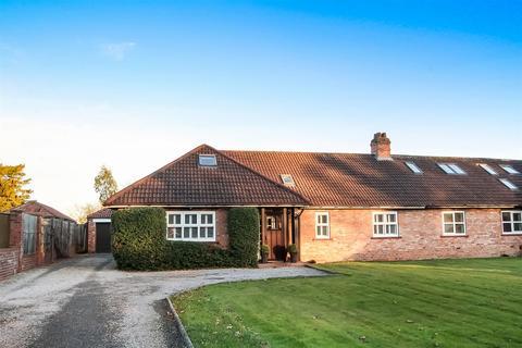 5 bedroom semi-detached bungalow for sale - Middleton Lane, Middleton St. George, Darlington