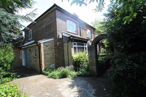 4 bedroom end of terrace house to rent - Pillions Lane, Hayes End, Middlesex