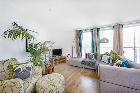 1 bedroom flat to rent - Viridian Apartments, 75 Battersea Park Road, Nine Elms, London SW8