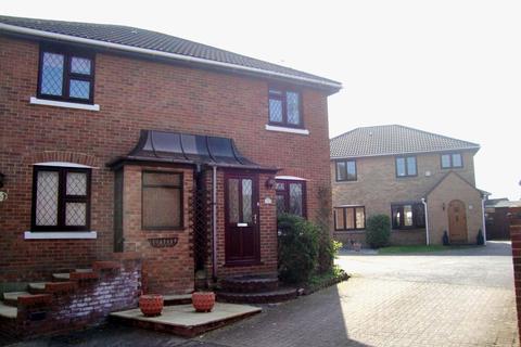 2 bedroom semi-detached house to rent - Portman Drive, Billericay, Essex, CM12