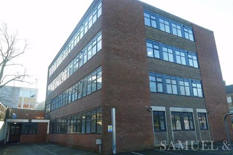 3 bedroom flat to rent - 1 Trinity Road, Dudley