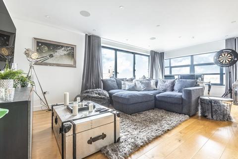 2 bedroom flat - Hogarth Lane, Chiswick