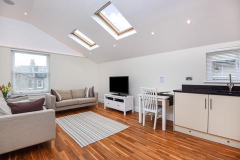 2 bedroom flat to rent - Brandreth Road Balham SW17