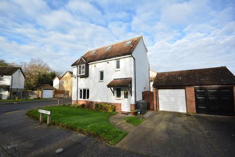 5 bedroom detached house for sale - Derwent Way, Great Notley, Braintree, Essex, CM77
